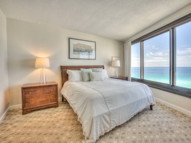 Master Bedroom~ WOW!!! what a view to wake up to