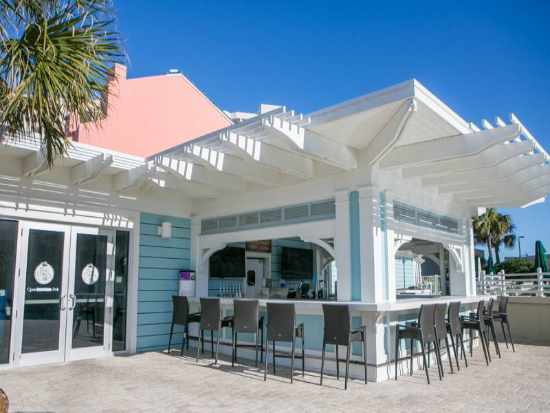 Blue Dunes Gril - Grab a quick bite or cold beverage at Tops'l Resort's Blue Dunes Grill near the pool.