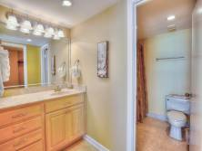 Master bathroom - Toilet