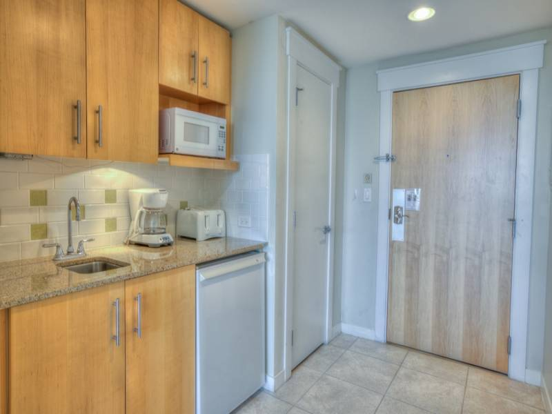 Gibson Beach Rentals Sandestin Resort vacation condo  - kitchenette with mini fridge and microwave