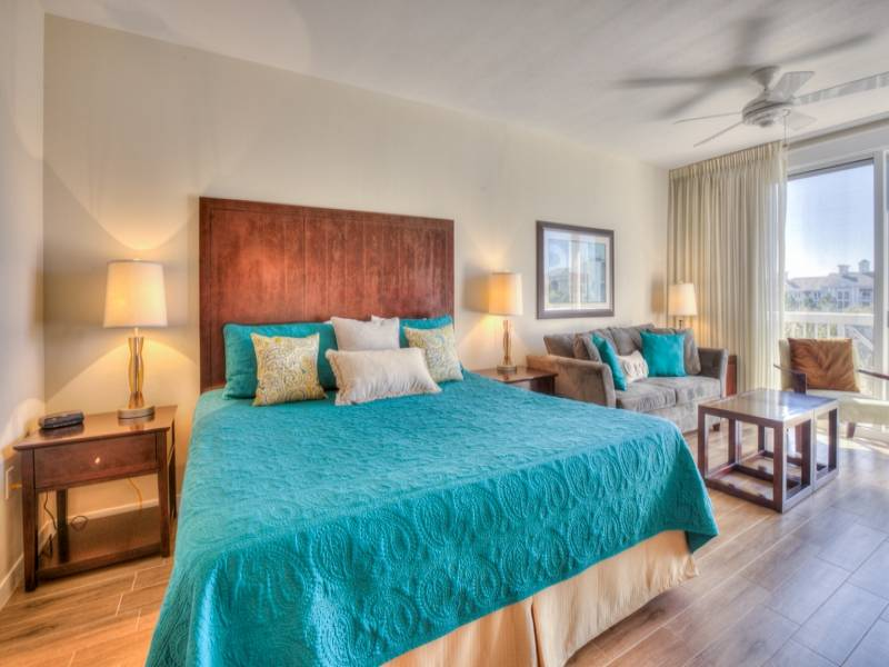 Gibson Beach Rentals Sandestin Resort vacation condo  - luxurious king bed